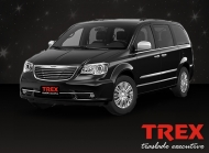 Mini-van Chrysler Town & Country Preta
